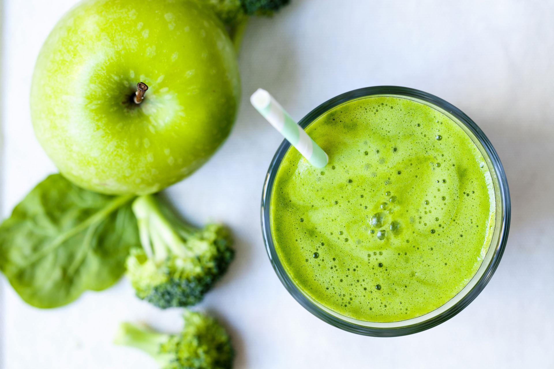 ¡Conoce las maravillas de los jugos verdes!